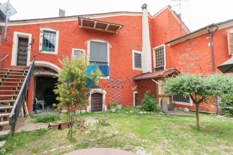 Appartamento in vendita a Pietrasanta, 6 locali, prezzo € 250.000 | PortaleAgenzieImmobiliari.it