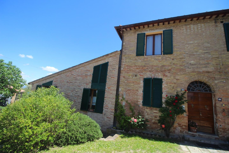Appartamento in Vendita a Ginestreto, Siena