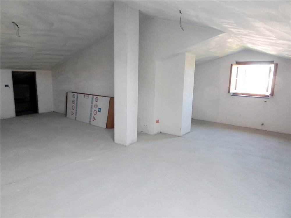 Casa semindipendente in vendita - Castelnuovo Magra