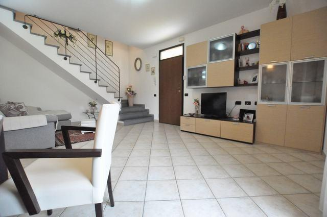 Casa semindipendente in Vendita, rif. AC6561