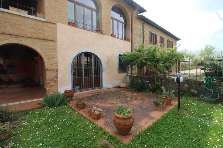 Appartamento in vendita a Monteroni d'Arbia, 3 locali, prezzo € 195.000 | CambioCasa.it