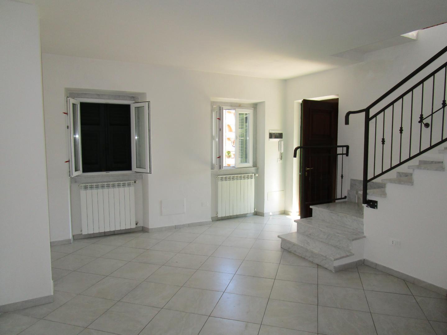 Casa semindipendente in vendita, rif. A1036