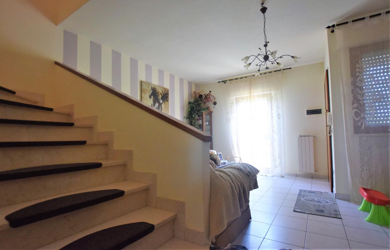 Casa semindipendente in vendita, rif. LM3595