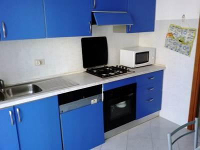 Appartamento in vendita a Vezzano Ligure, 5 locali, prezzo € 180.000 | CambioCasa.it