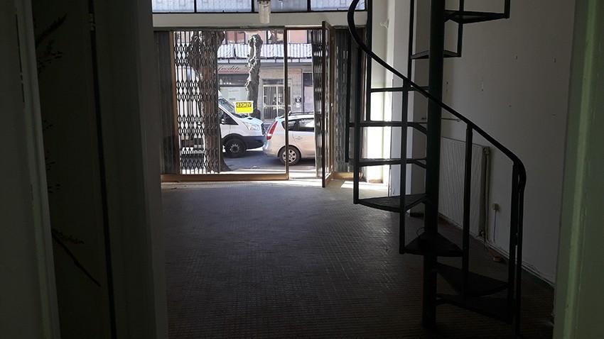 Negozio / Locale in vendita a Carrara, 2 locali, prezzo € 85.000 | PortaleAgenzieImmobiliari.it