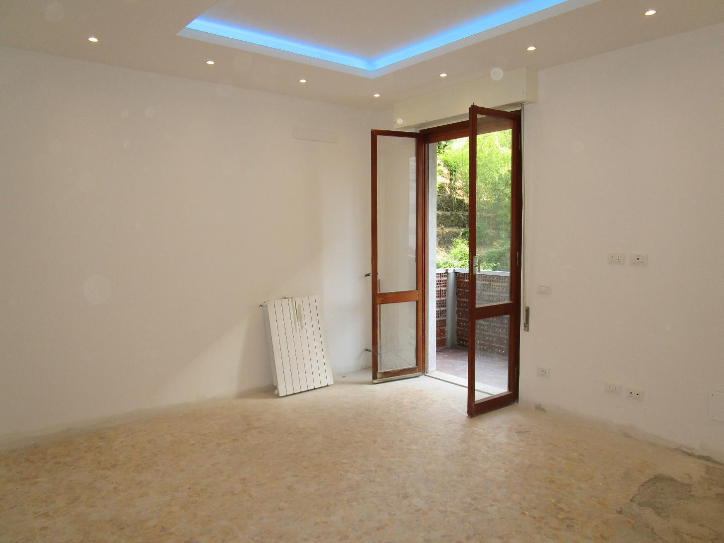 Appartamento in vendita, rif. A1042