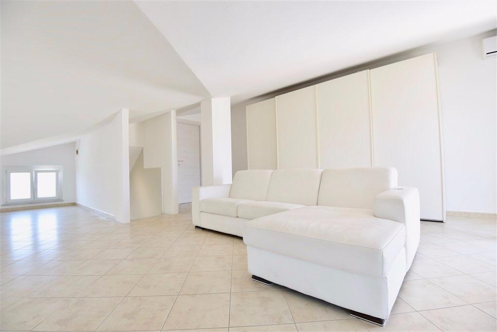 Appartamento in vendita, rif. LOG-334