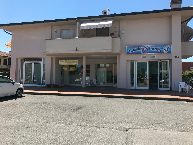 Negozio in vendita a Capannori (LU)