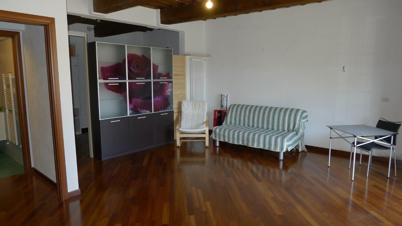 Appartamento in affitto, rif. A227