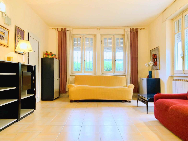 Villetta bifamiliare in case vacanze a Camaiore (LU)