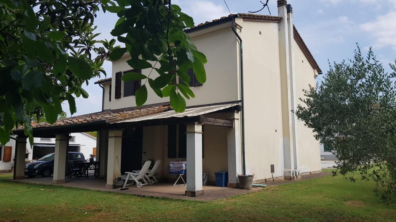 Rustico in vendita a Pontedera (PI)