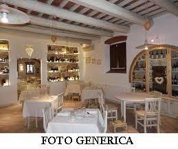 Locale comm.le/Fondo in vendita - Centro mare, Viareggio