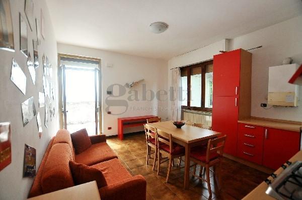 Casa semindipendente in vendita, rif. 112