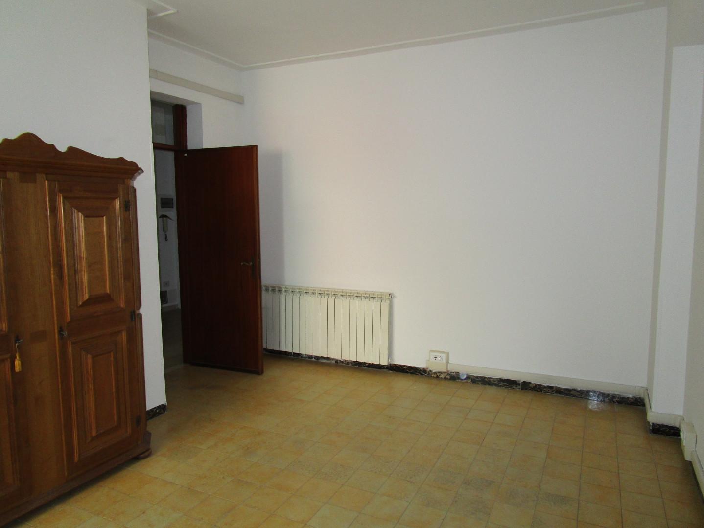 Appartamento in affitto a Centro, Carrara