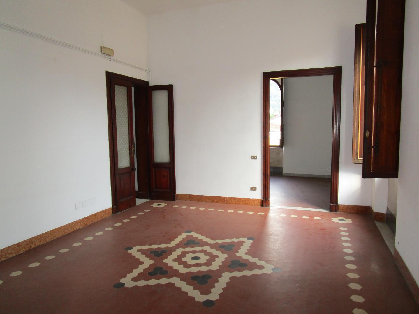 Appartamento in affitto, rif. E335