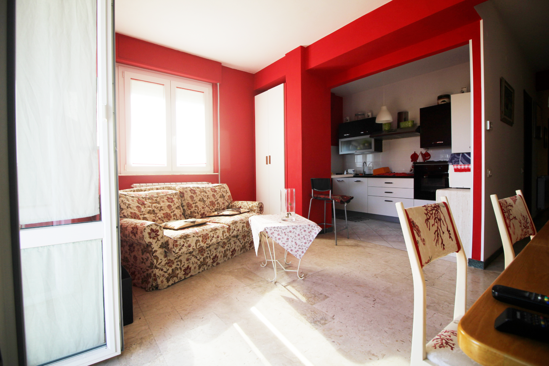 Appartamento in vendita a Sarzana, 5 locali, prezzo € 220.000 | PortaleAgenzieImmobiliari.it