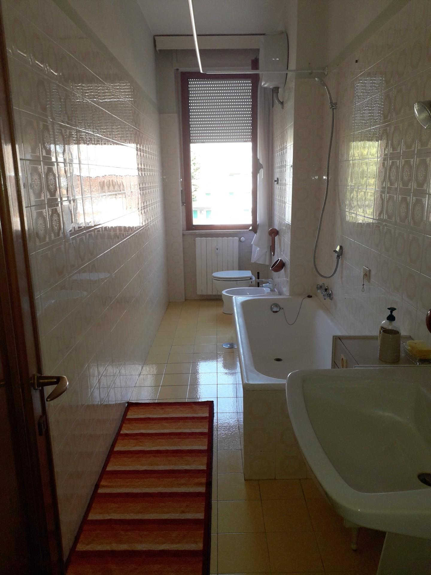 Appartamento in affitto a Viale Italia, Livorno