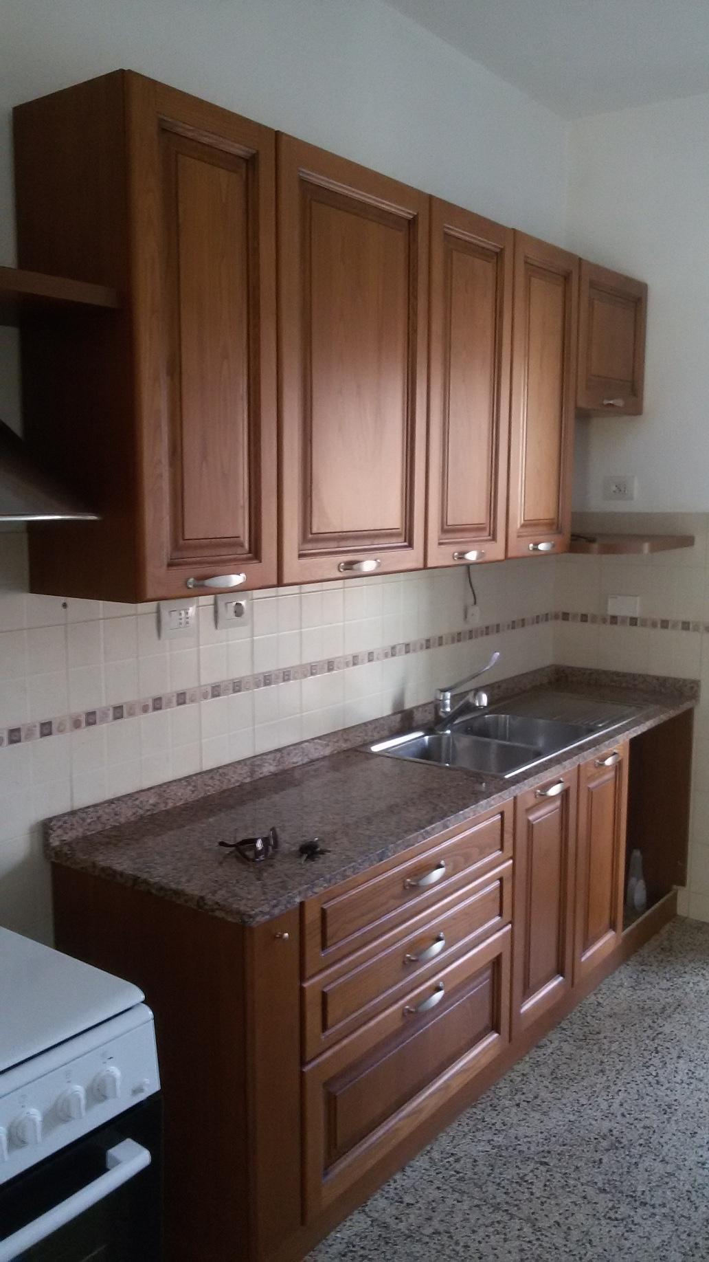 Appartamento in affitto, rif. a39/301