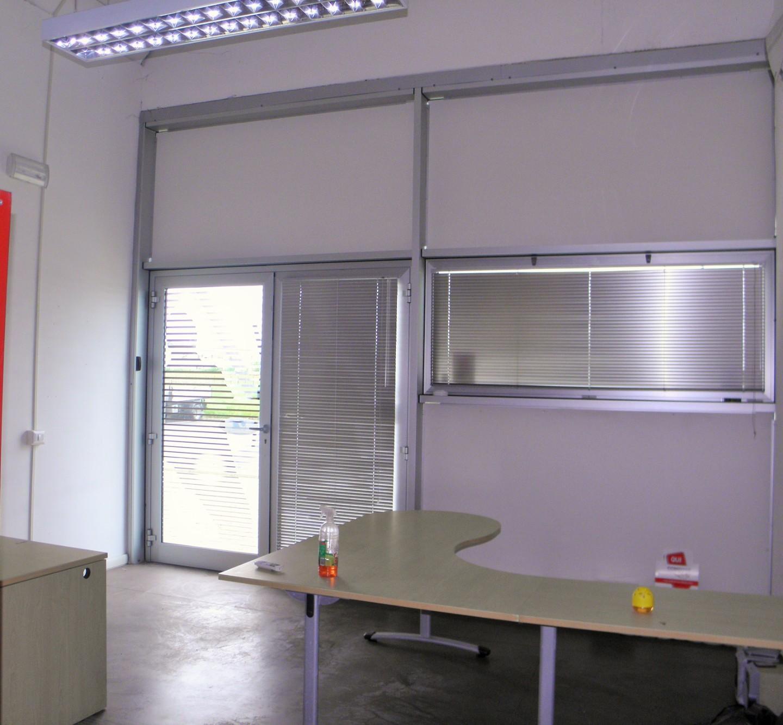Locale comm.le/Fondo in affitto commerciale a Ponsacco (PI)