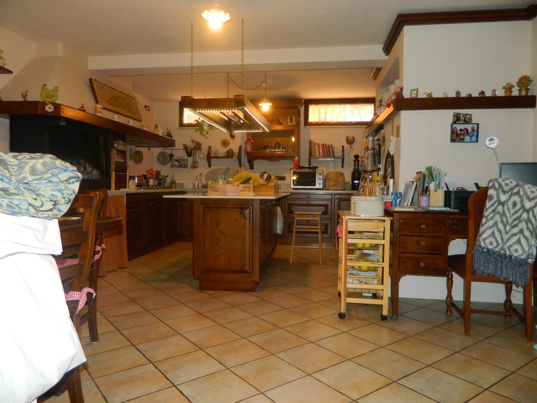 Casa semindipendente in vendita, rif. 106704