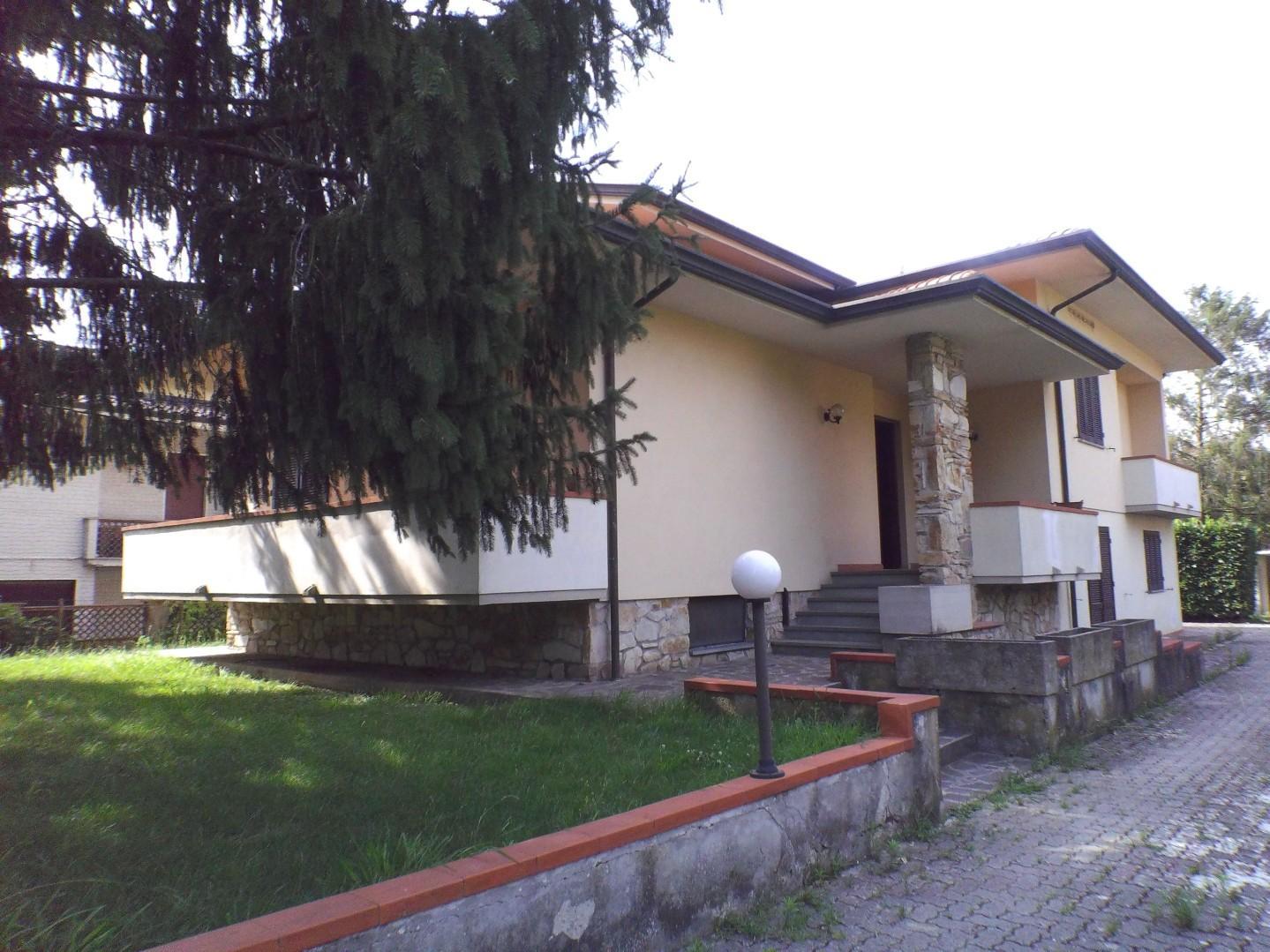 Villa singola in affitto a Santa Maria A Colle, Lucca