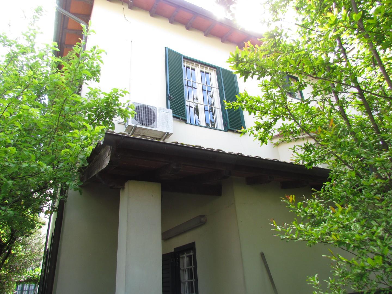 Casa semindipendente in vendita, rif. 02183