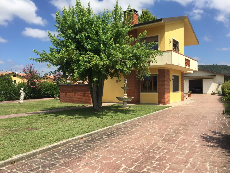 Villetta bifamiliare in vendita a Nodica, Vecchiano (PI)