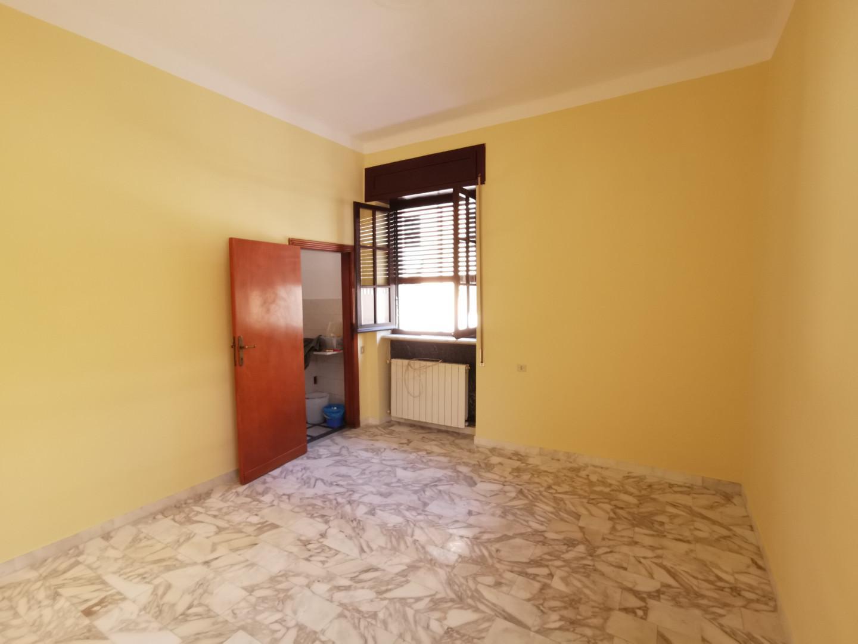 Appartamento in affitto, rif. E337