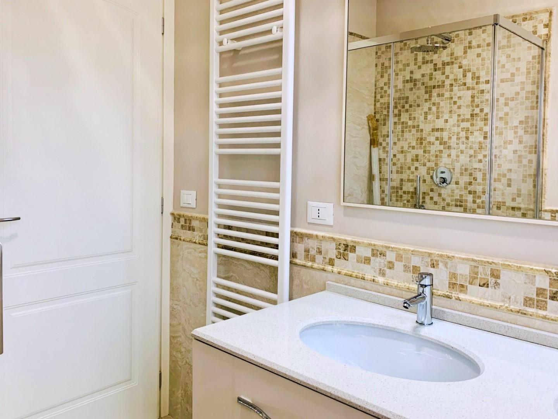 Bagno coSuite con bagnon doccia