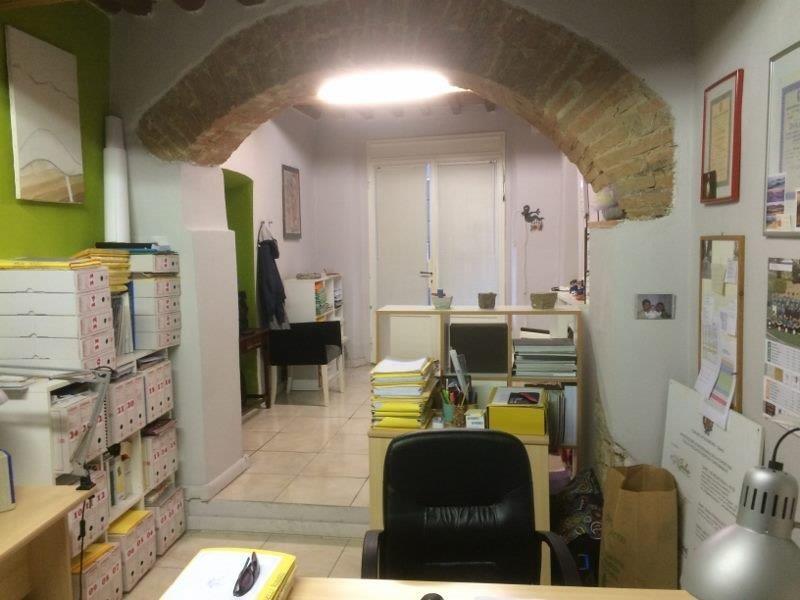 Ufficio in affitto commerciale a Poggibonsi (SI)