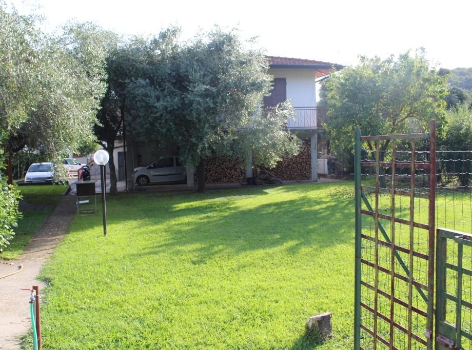 Builiding for sale in Massa