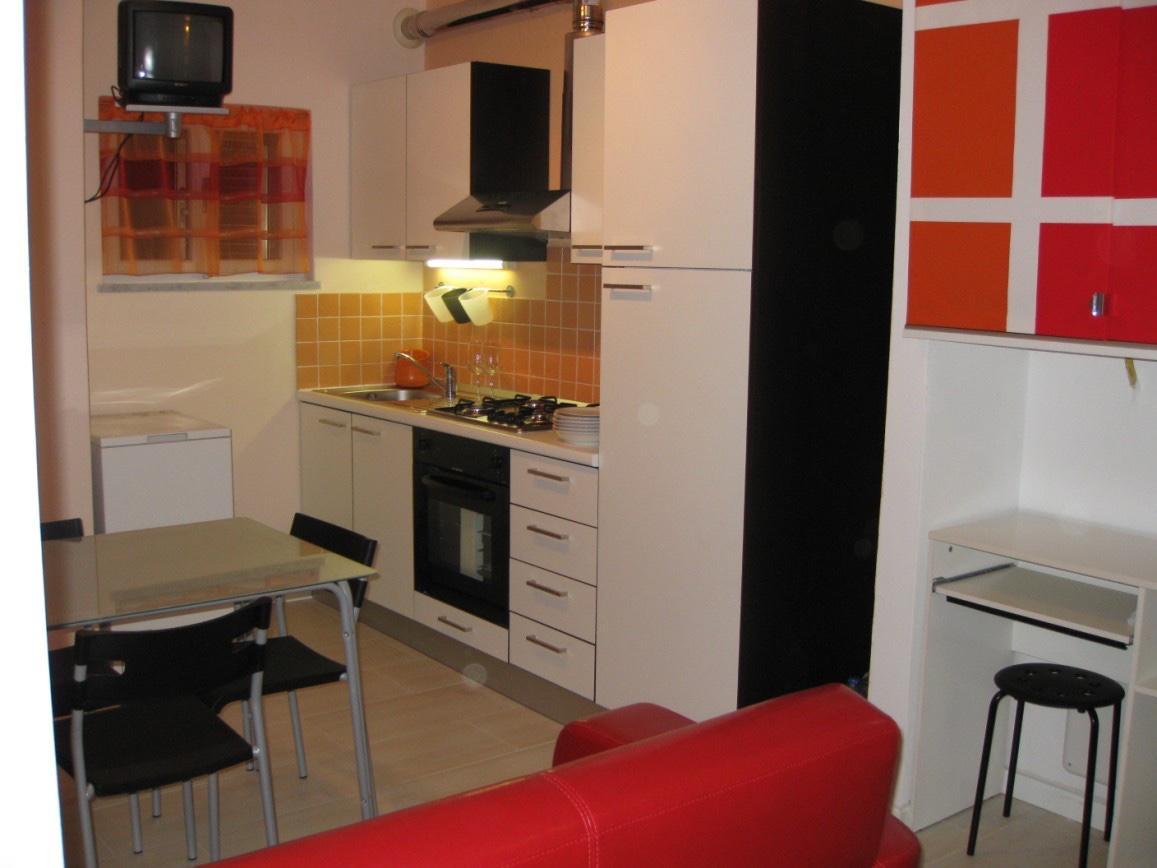 Appartamento in affitto, rif. a39/304