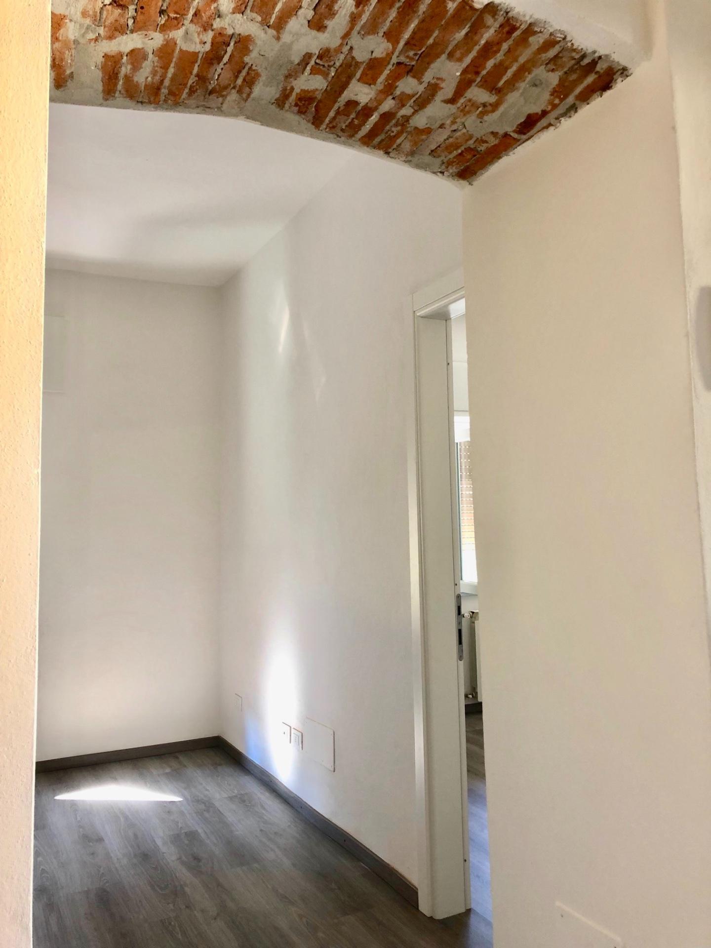 Appartamento in affitto, rif. AR-36