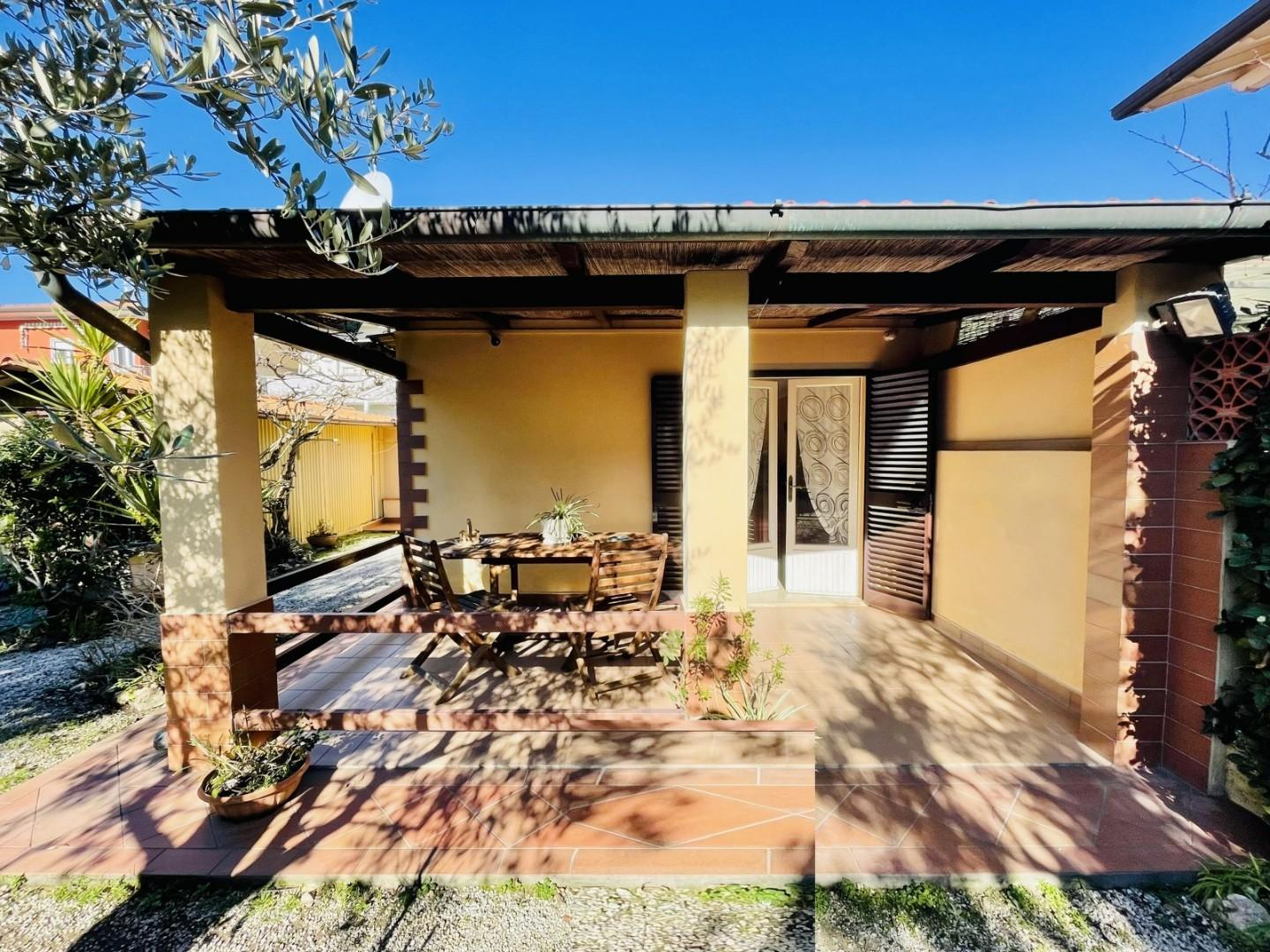 Single-family house for sale in Pietrasanta (LU)