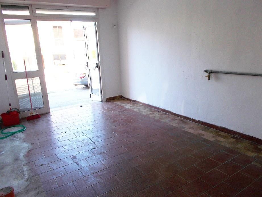 Locale comm.le/Fondo in affitto commerciale a Vecchiano (PI)