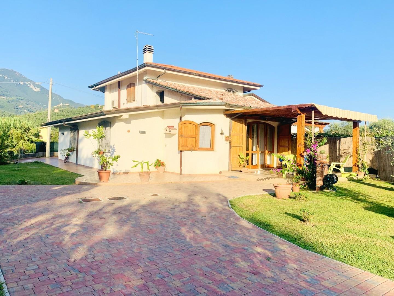 Appartamento in vendita a Pietrasanta (LU)