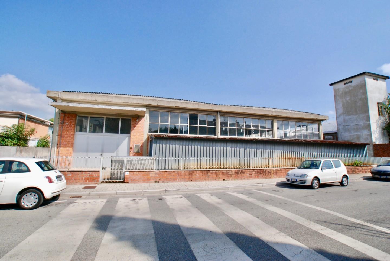 Capannone commerciale in vendita a Fornacette, Calcinaia (PI)