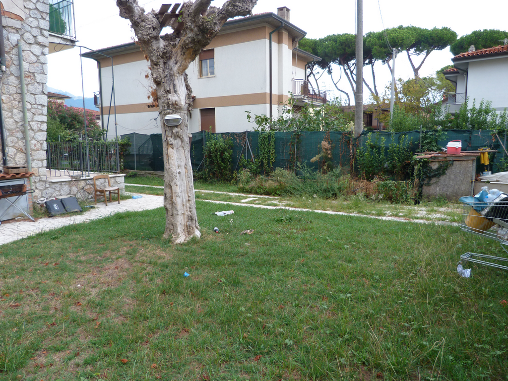 Semi-detached house for sale in Massa