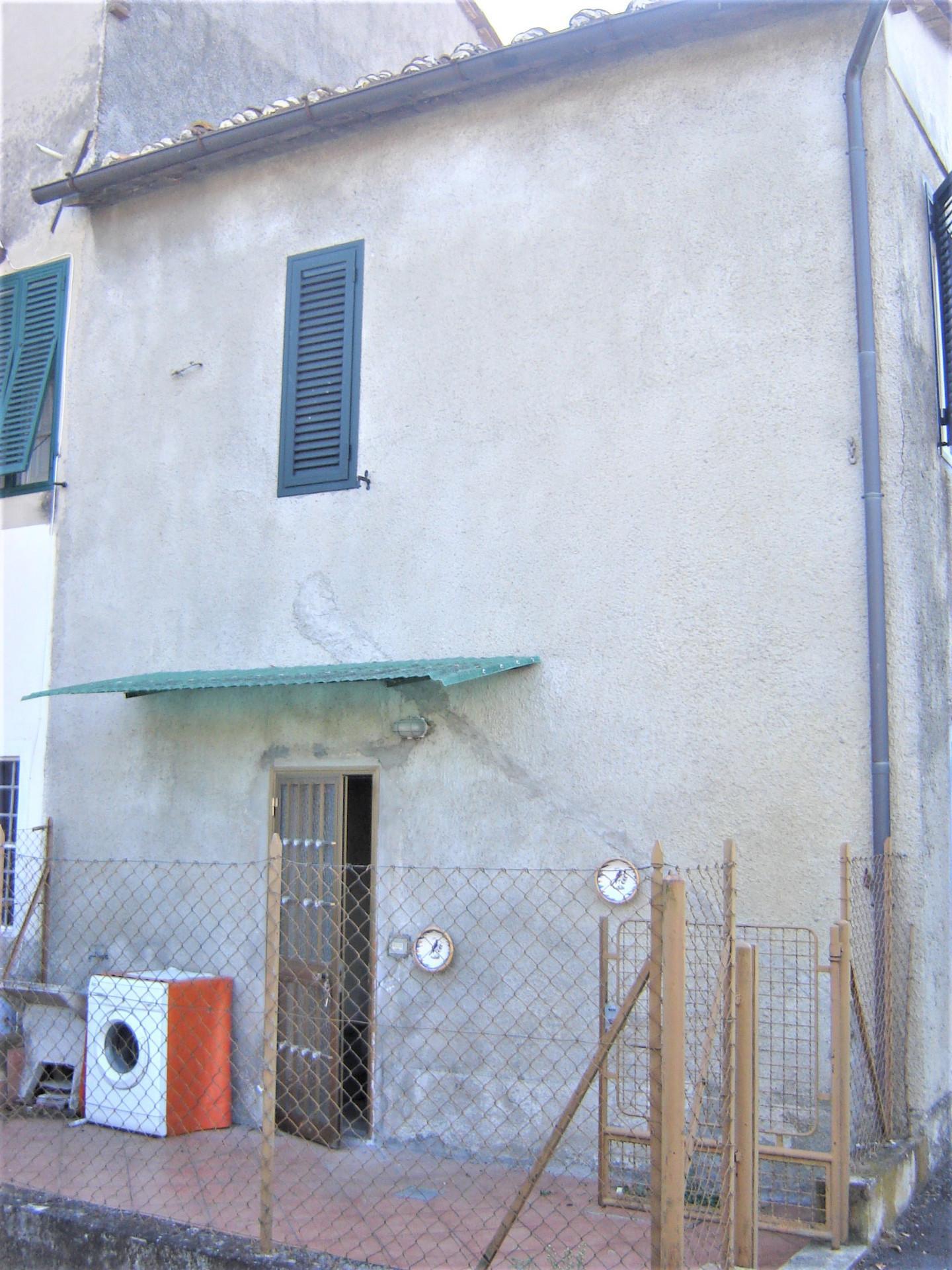 Foto 12/12 per rif. trf borgo 70