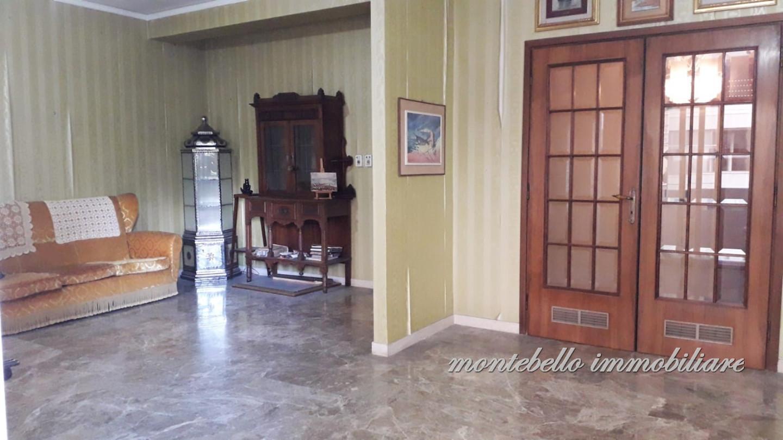 Appartamento in vendita a Livorno, 5 locali, prezzo € 260.000 | CambioCasa.it
