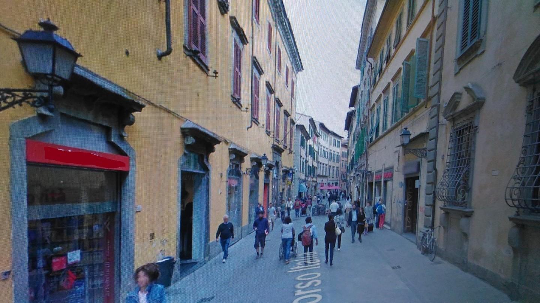 Attività commerciale in affitto commerciale a Pisa