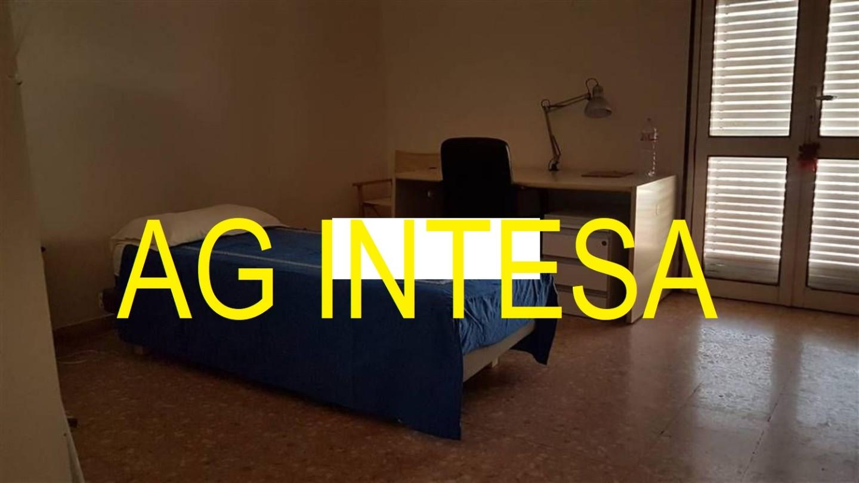 Appartamento in affitto, rif. 3 VANI CON 2 CAMERE IN CENTRO IN