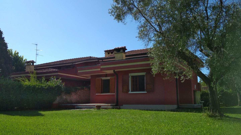Villetta bifamiliare in vendita a Montignoso (MS)