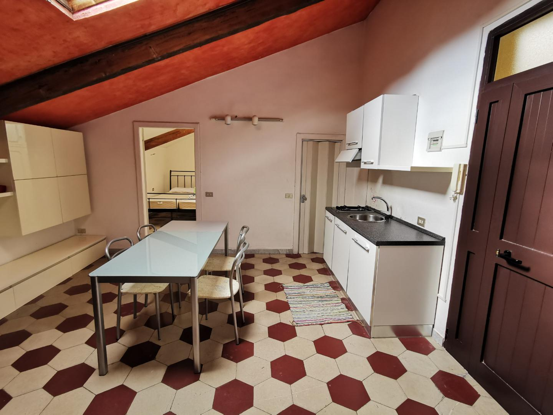 Appartamento in affitto, rif. E342