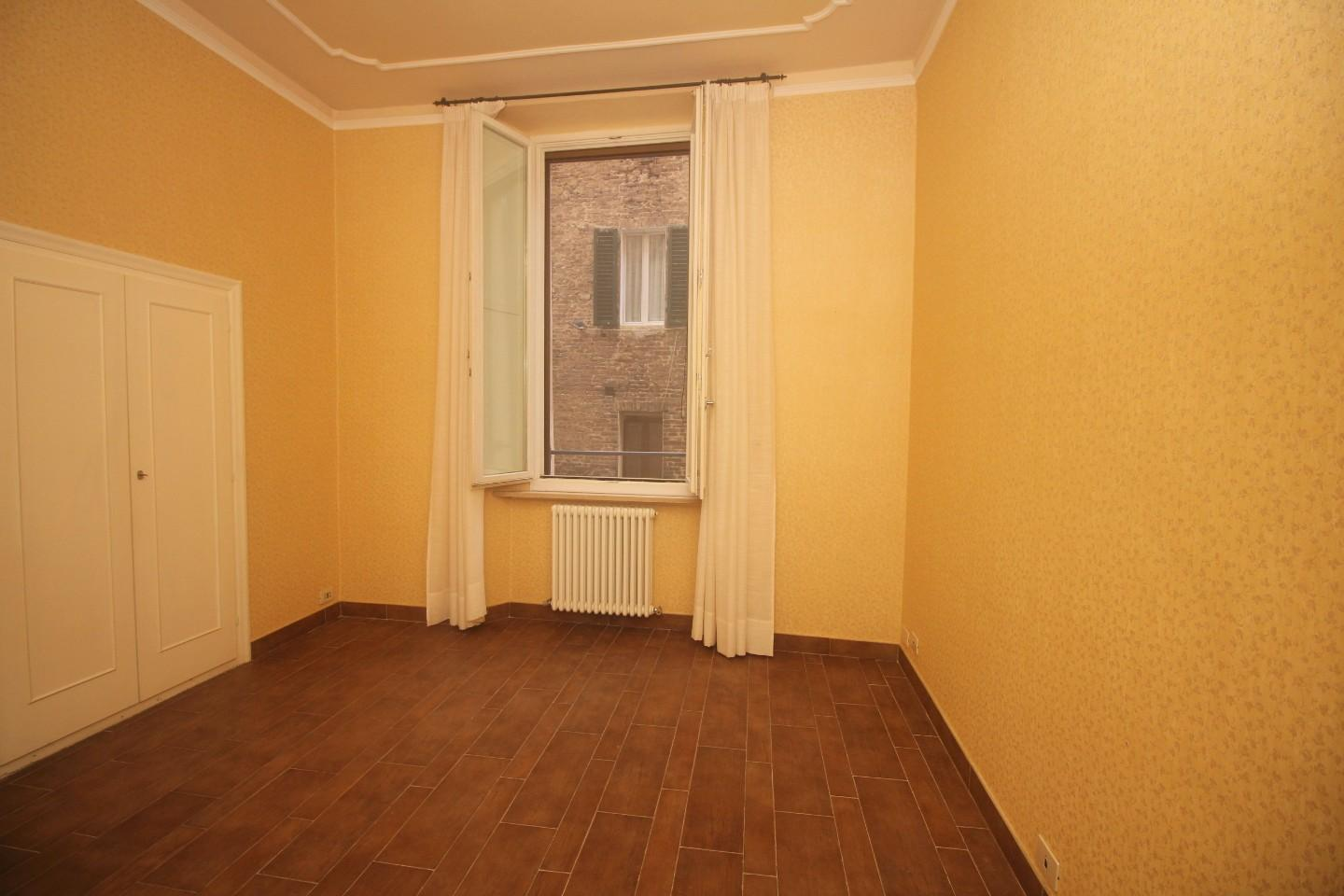 Apartment for sale, ref. R/583