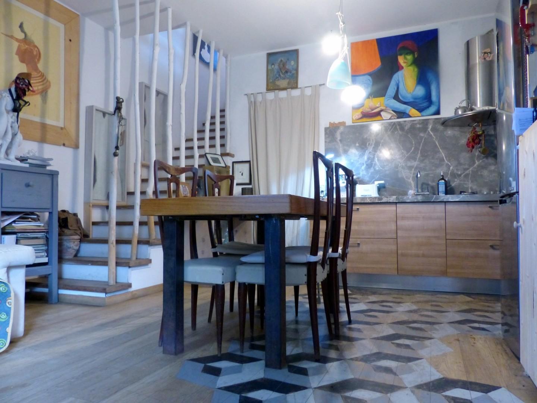 Villetta bifamiliare in vendita a Pietrasanta (LU)