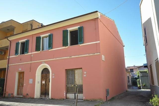 Villetta a schiera angolare in vendita, rif. AC6653