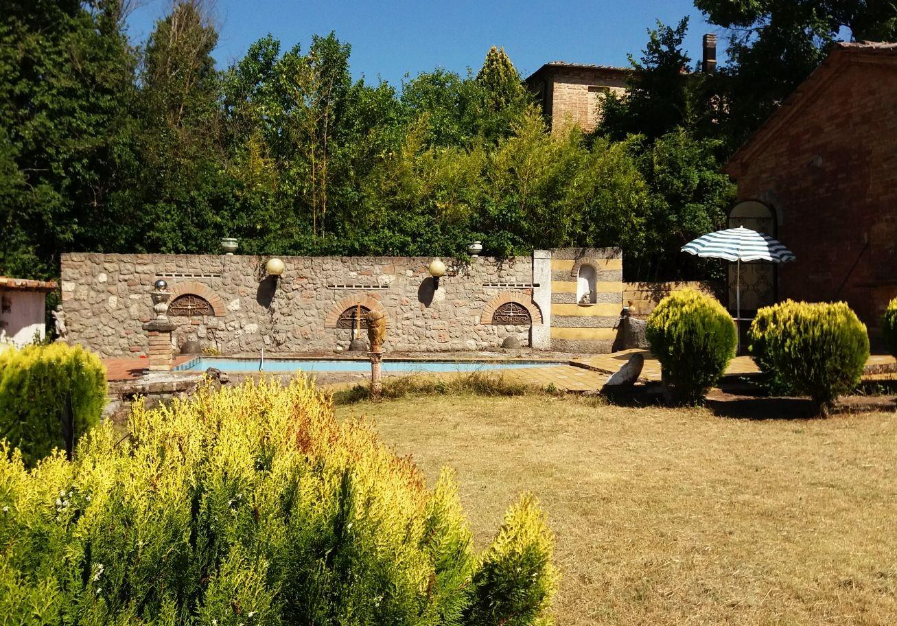 Farmhouse for sale in Buonconvento (SI)
