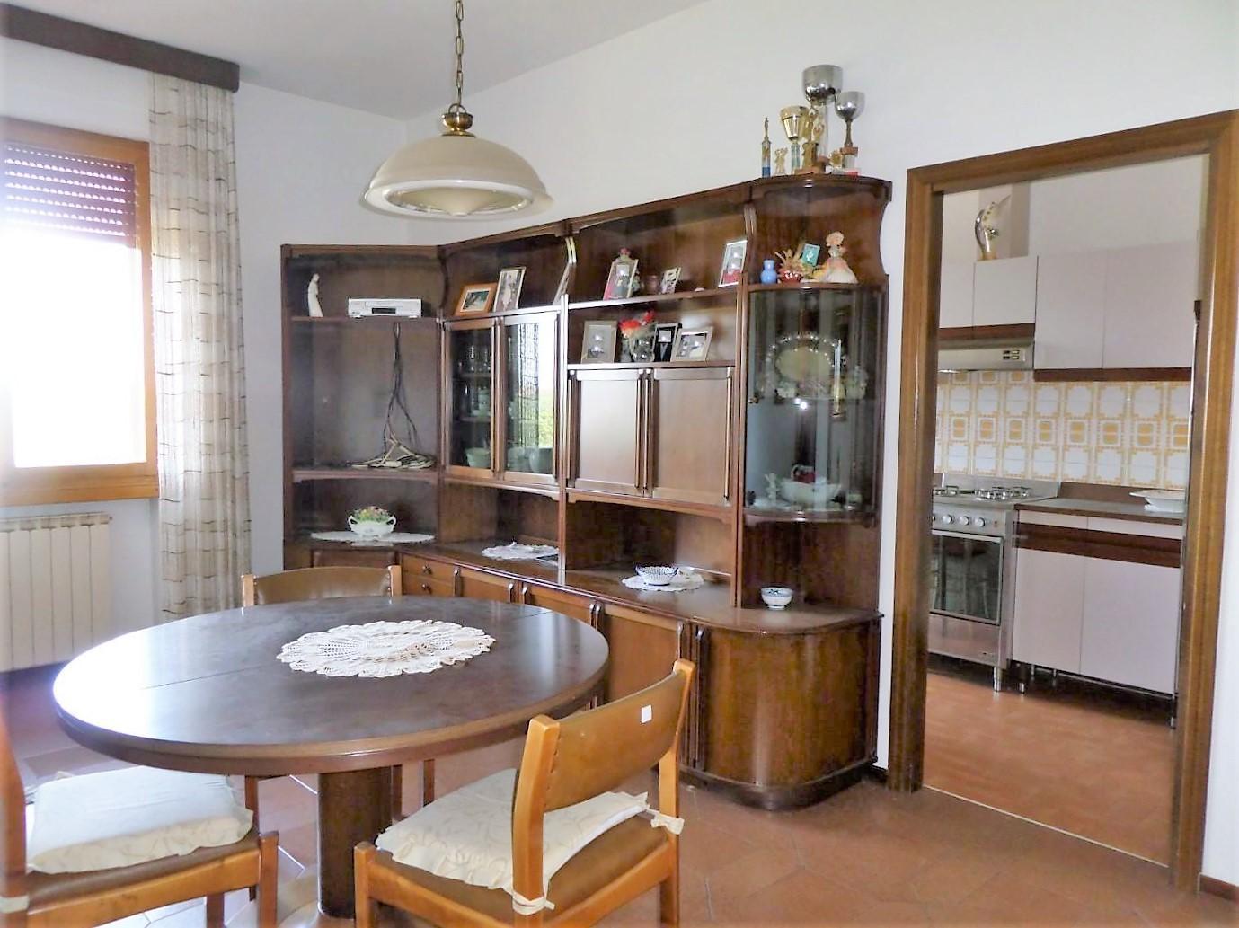 Appartamento in vendita a Santa Croce sull'Arno, 6 locali, prezzo € 200.000 | PortaleAgenzieImmobiliari.it