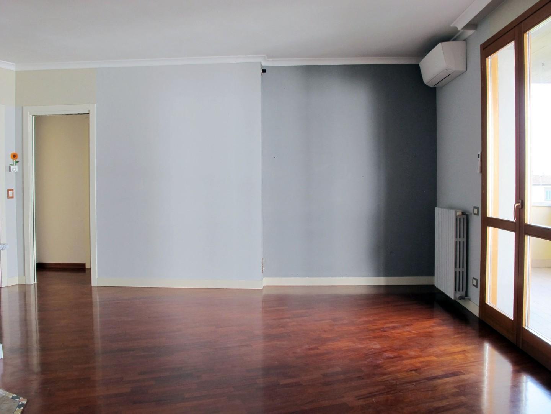 Appartamento in vendita, rif. 8799
